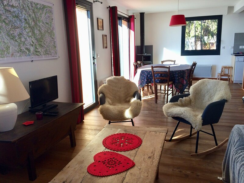 CHALET 9 pl 9 couchages ST MICHEL DE CHAILLOL, holiday rental in Chabottes