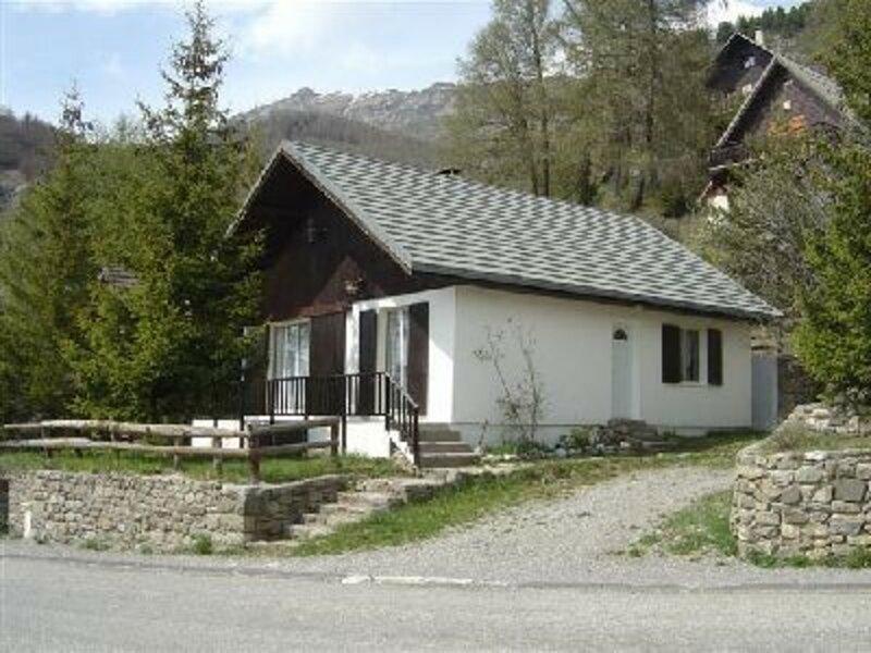 Chalet 8/9 pl 9 couchages ST MICHEL DE CHAILLOL, holiday rental in La Motte-en-Champsaur