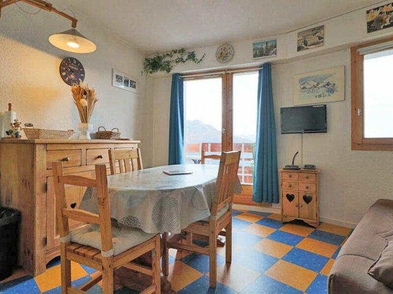 Joli studio avec très belle vue, holiday rental in La Rosiere