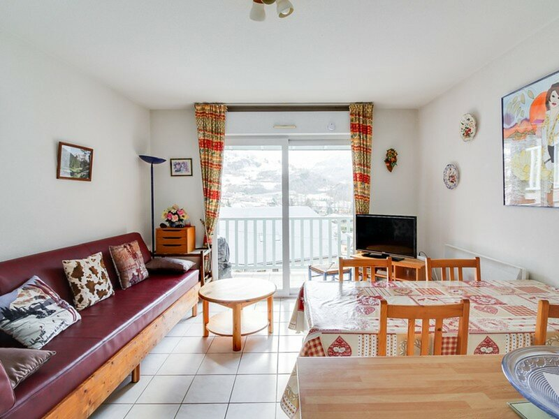 APPARTEMENT T3 DUPLEX RESIDENCE LES GYPAETES, CALME, holiday rental in Viscos