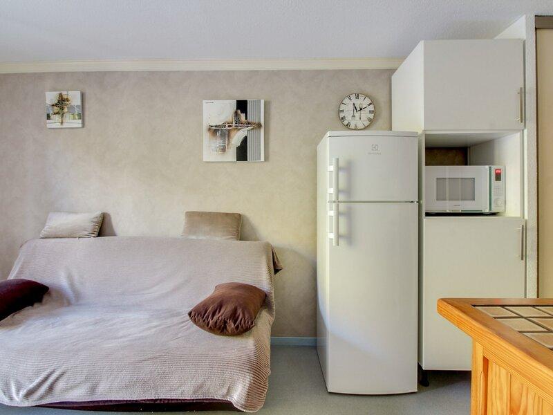 Studio cabine 6 personnes, Résidence Artigalas, parking couvert, vacation rental in Bareges