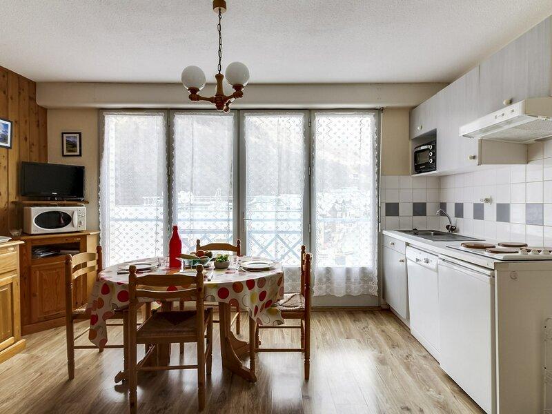 Appartement T2  6 pers Rés les Balcons de Barèges, holiday rental in Sers