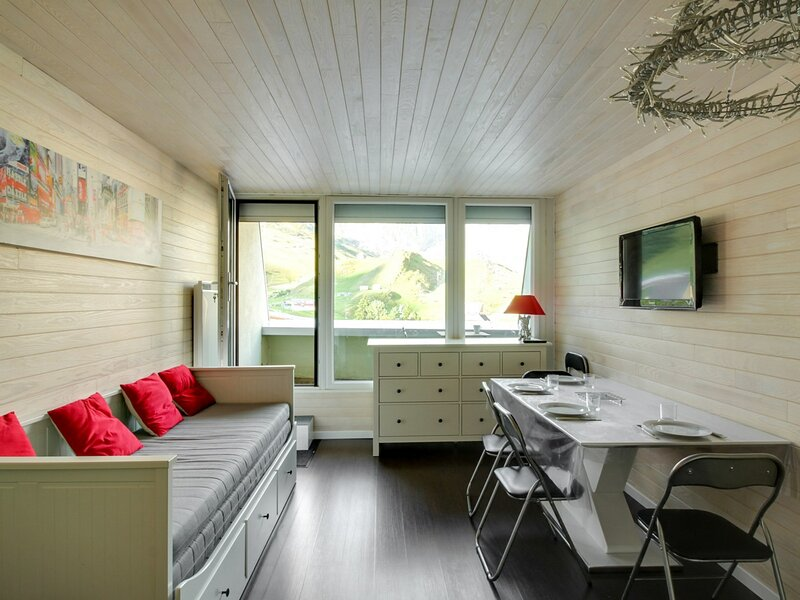 Studio cabine 4 personnes, tout confort Résidence Ermitage, holiday rental in La Mongie