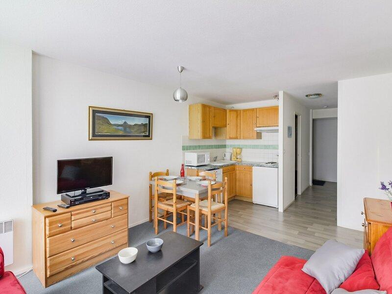 2 pièces 5 personnes avec parking couvert, résidence Mongie 1800, holiday rental in La Mongie