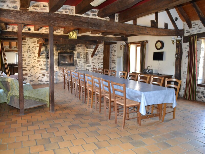 Les Petits Luères, holiday rental in Marigne-Laille