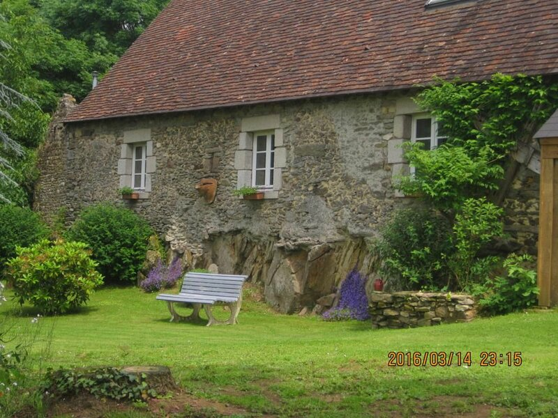 Location Gîte Moulins-le-Carbonnel, 3 pièces, 6 personnes, holiday rental in Saint Aubin du Desert