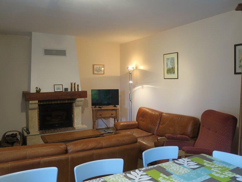 Location Gîte Montreuil-le-Henri, 5 pièces, 10 personnes, holiday rental in Couture-sur-Loir