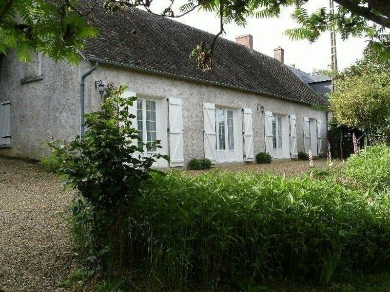 Location Gîte Saint-Vincent-du-Lorouër, 4 pièces, 7 personnes, holiday rental in La Chartre-sur-le-Loir