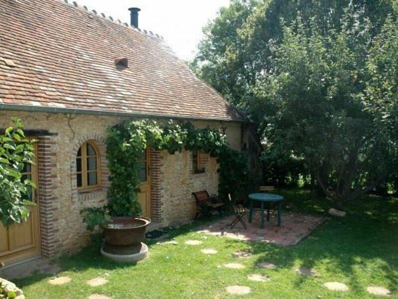 Location Gîte Connerré, 2 pièces, 4 personnes, location de vacances à Montmirail