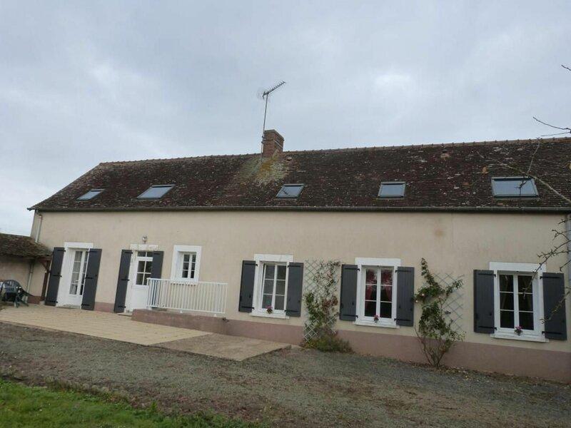La maison aux fleurs, alquiler vacacional en Ferce-sur-Sarthe