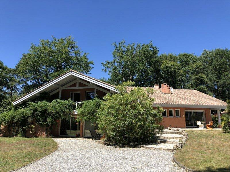 Villa sur le Golf d'Hossegor, holiday rental in Angresse