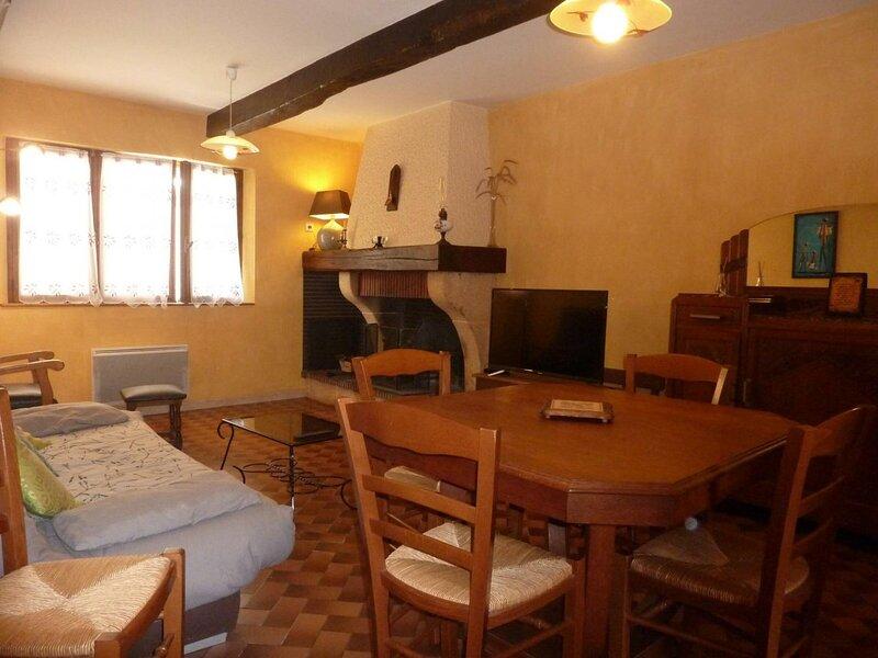 la Maison d'Yvonne, vacation rental in Vivies