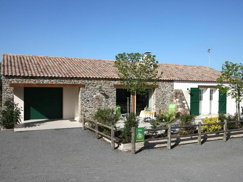 Les Joncs, holiday rental in Challans