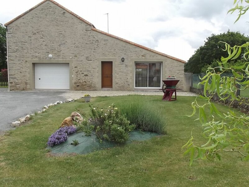 Le Plessis, holiday rental in La Limouziniere
