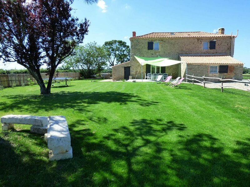 Le Figuier, vacation rental in Avrille