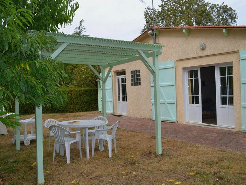 Les Tilleuls, holiday rental in Bouille-Courdault