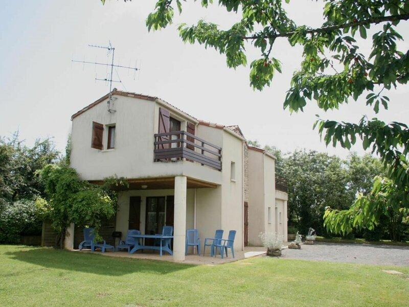 Domaine de l'Ouche aux Filles n°3, location de vacances à Saint-Jean-de-Beugné