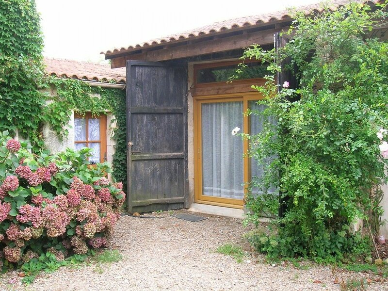 Le Chemin Creux, holiday rental in Saint-Denis-du-Payre