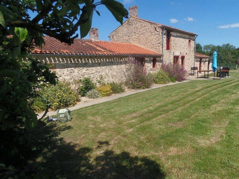 Domaine de la Crépelière, holiday rental in La Limouziniere