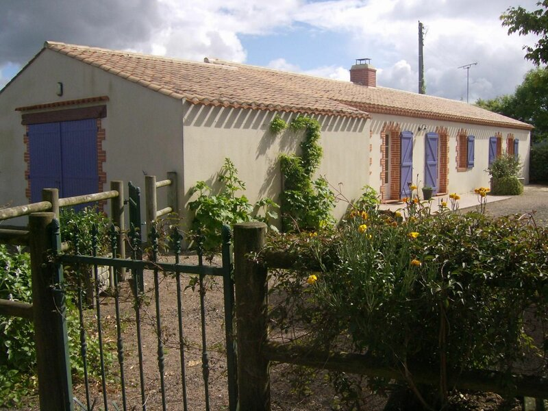 Les Genêts, holiday rental in Challans