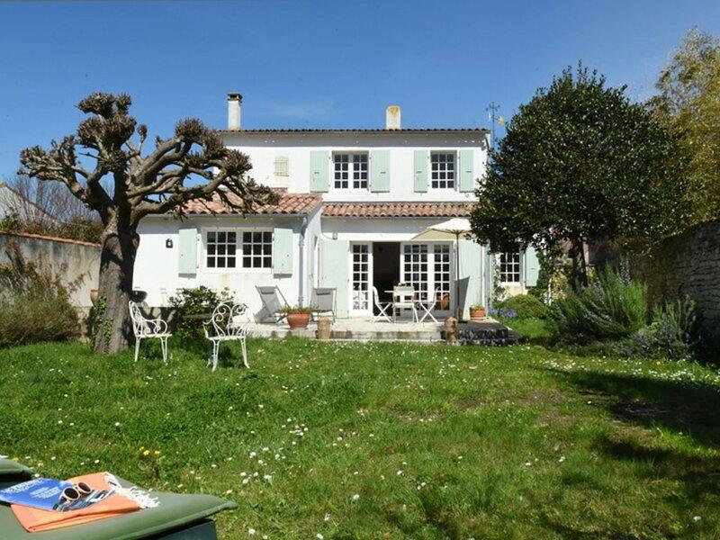 LE PORT A DEUX PAS, holiday rental in Ars-en-Re
