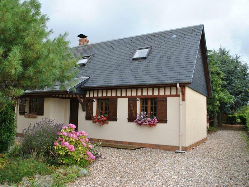 Maison des Dalles, vacation rental in Ouainville