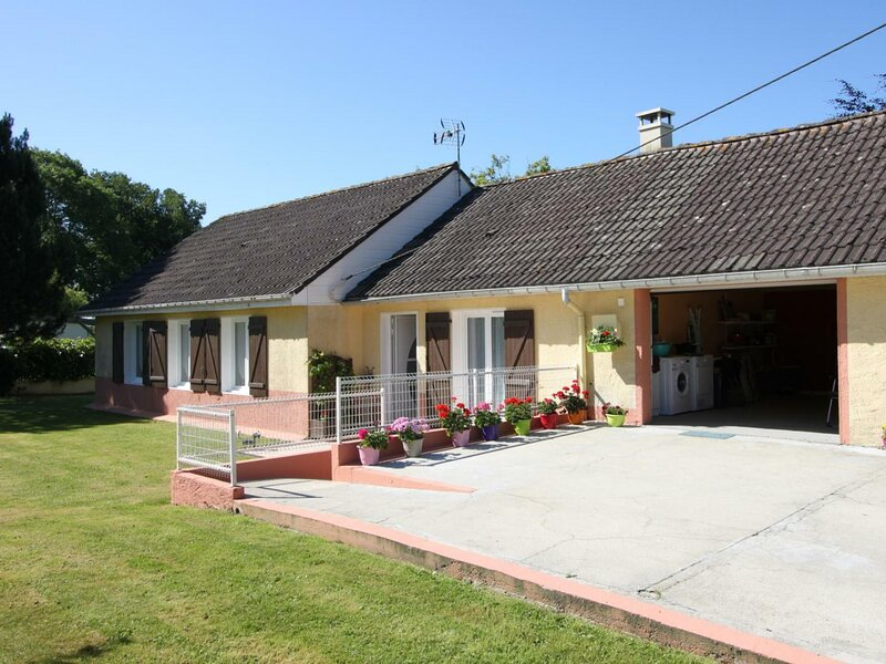 Les Couleurs, holiday rental in Theuville-aux-Maillots