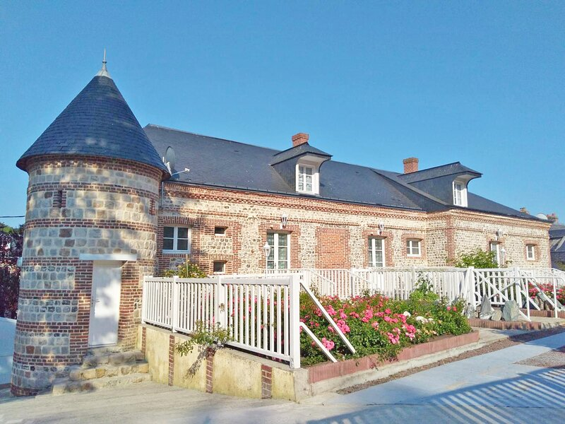Le Vieux Logis-Dyane&Christian, holiday rental in Angiens