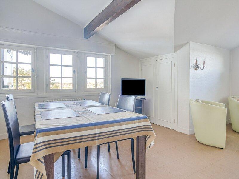 YUSTI - Coquet appartement en front de mer à 350m de la plage de Socoa, alquiler de vacaciones en Pyrenees-Atlantiques