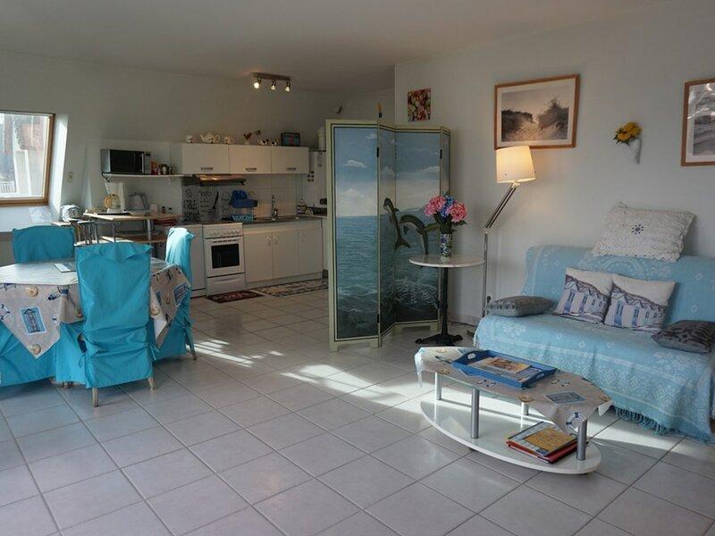 Dans une résidence avec piscine, appartement deux pièces.., vacation rental in Bavent