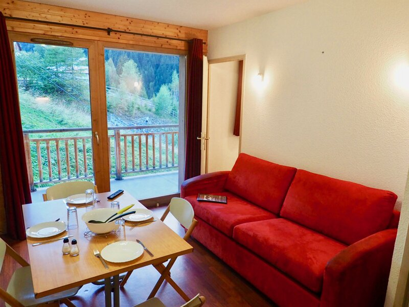 Appart 4 pers emplacement exceptionnel pied de pistes, holiday rental in Valfrejus