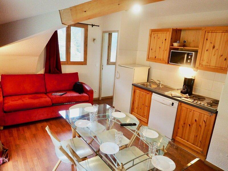 appartement spacieux et original au pied des pistes, holiday rental in Valfrejus