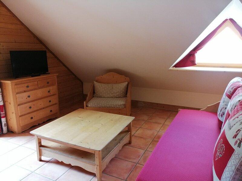 2 pièces en duplex pour 6, dans hameau spécifique montagne à Pra Loup, holiday rental in Uvernet-Fours