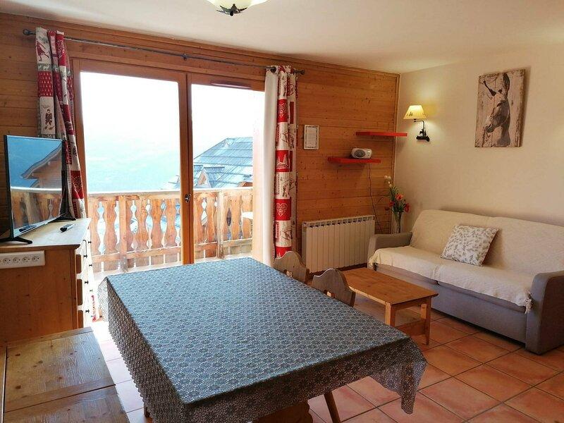 2P pour 6, très belle vue sur la vallée, dans un hameau de montagne, à Pra Loup, holiday rental in Uvernet-Fours