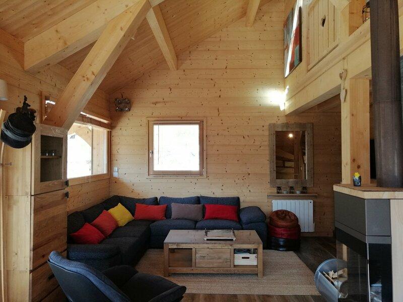 Magnifique chalet prestige pour 12, services haut de gamme, à Pra Loup, holiday rental in Uvernet-Fours