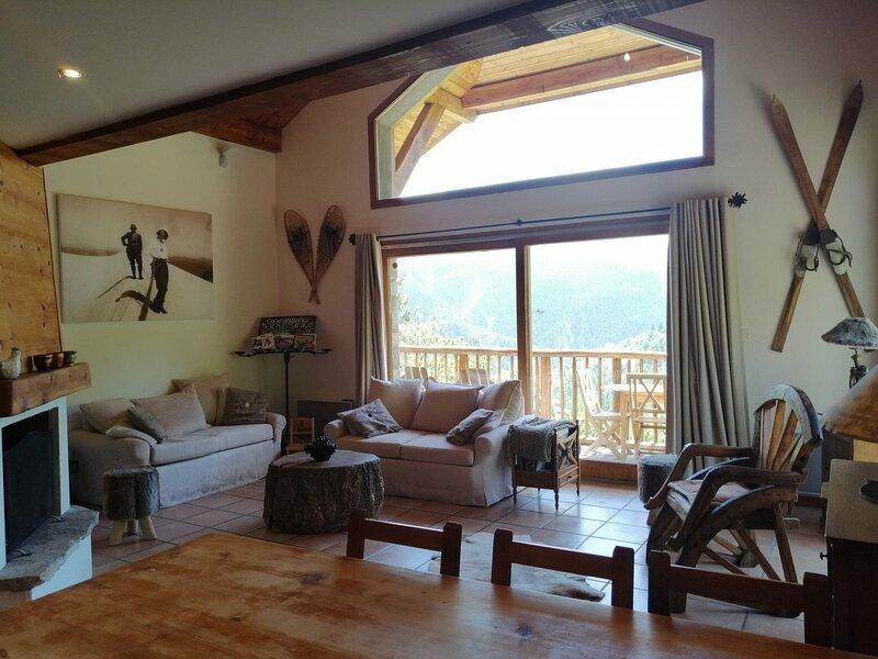 Chalet de charme dans un hameau typique de montagne, 6P pour 10 personnes, à, holiday rental in Uvernet-Fours