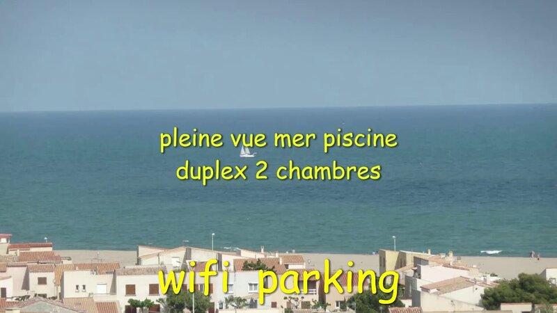DUPLEX PISCINE PLEINE VUE MER PLAGE 300 m WIFI PARKING AU CALME, holiday rental in Fleury