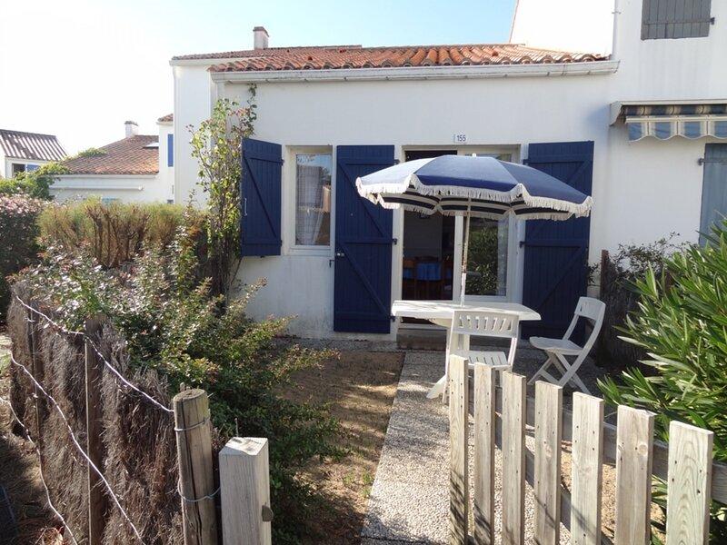 MAISONNETTE DANS RESIDENCE PROCHE PLAGE ET FORET, holiday rental in Saint-Michel-en-l'Herm