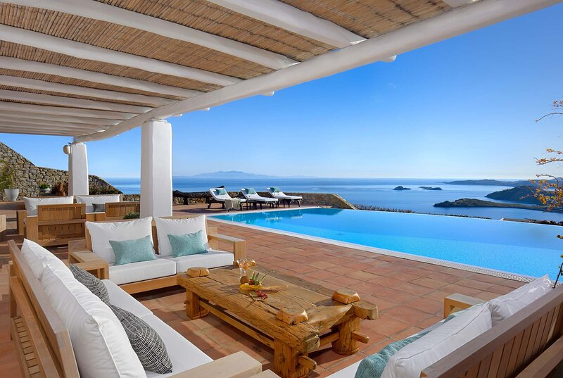 BlueVillas | Villa Azure | Secluded with infinity pool, jacuzzi and BBQ, vacation rental in Platys Gialos