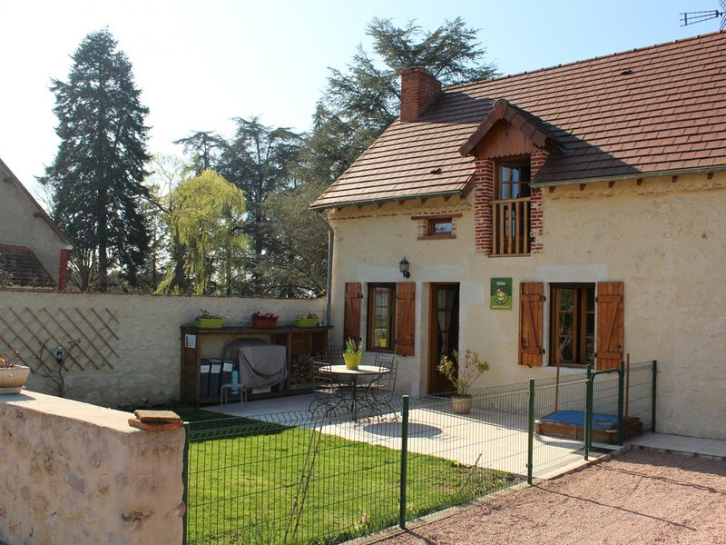 Entre Sioule et Bouble, holiday rental in Louchy-Montfand