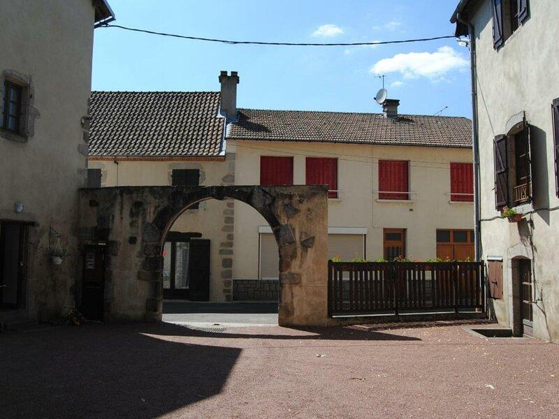 Le Bourg d'Arfeuilles, location de vacances à Lapalisse