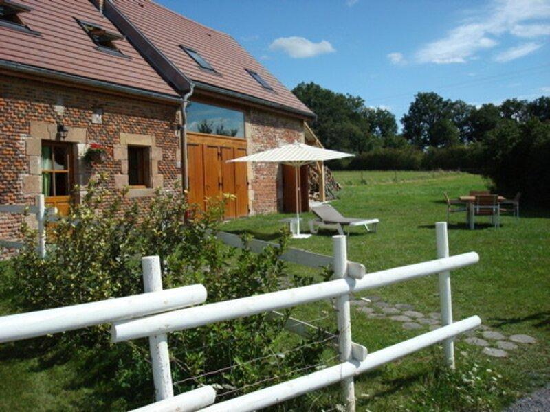 LE MODERNE, holiday rental in Dompierre-sur-Besbre
