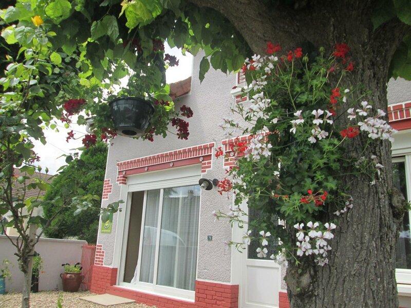 de Chavannes, holiday rental in Dompierre-sur-Besbre