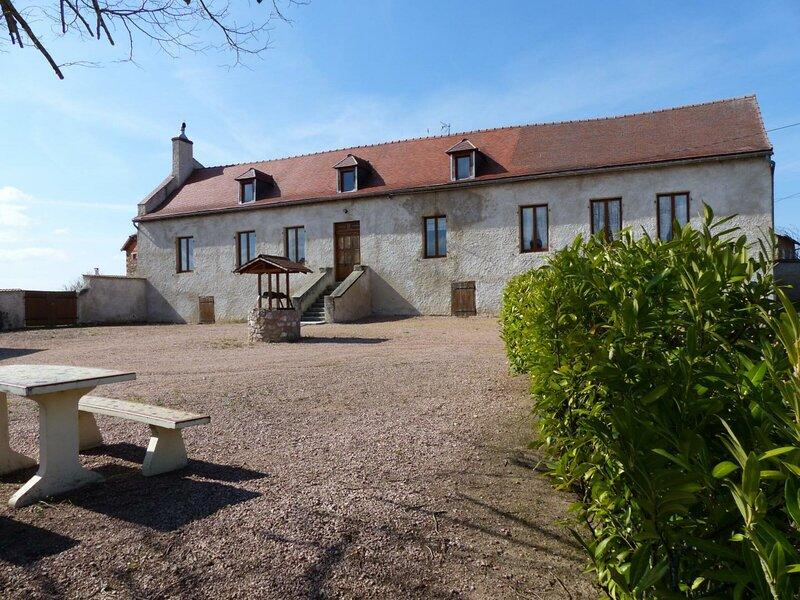 Location Gîte Arfeuilles, 5 pièces, 11 personnes, location de vacances à Lapalisse