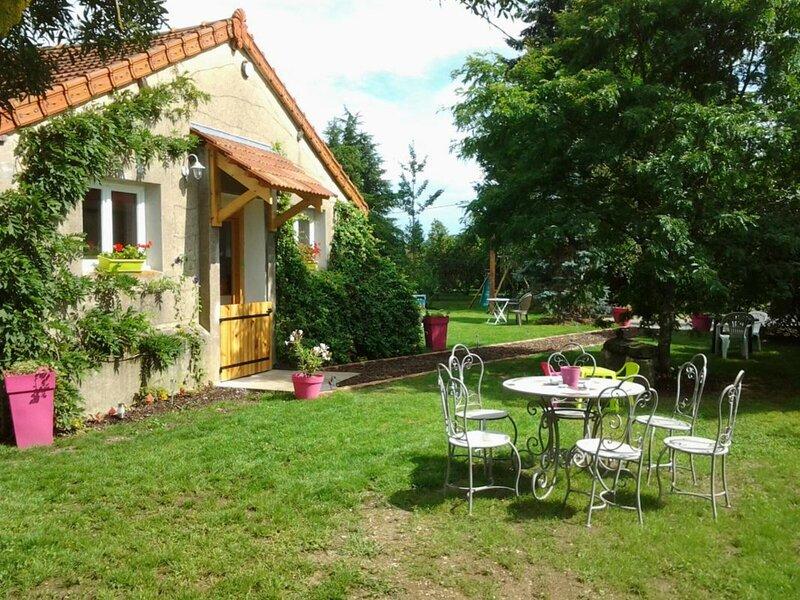 Gite des Mauves, casa vacanza a Saint-Ennemond