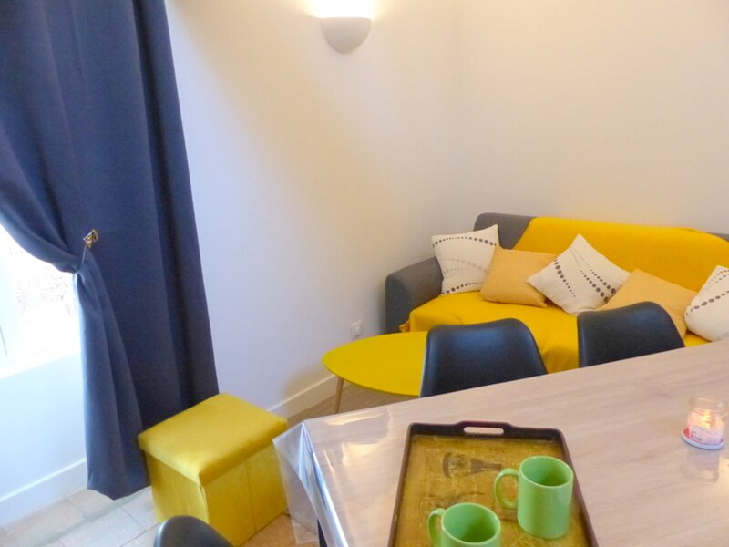 L'Atelier d'Ambre, holiday rental in Louchy-Montfand