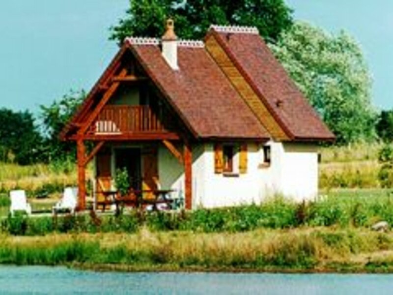 Villaine, gite de pêche., holiday rental in Cosne-d'Allier