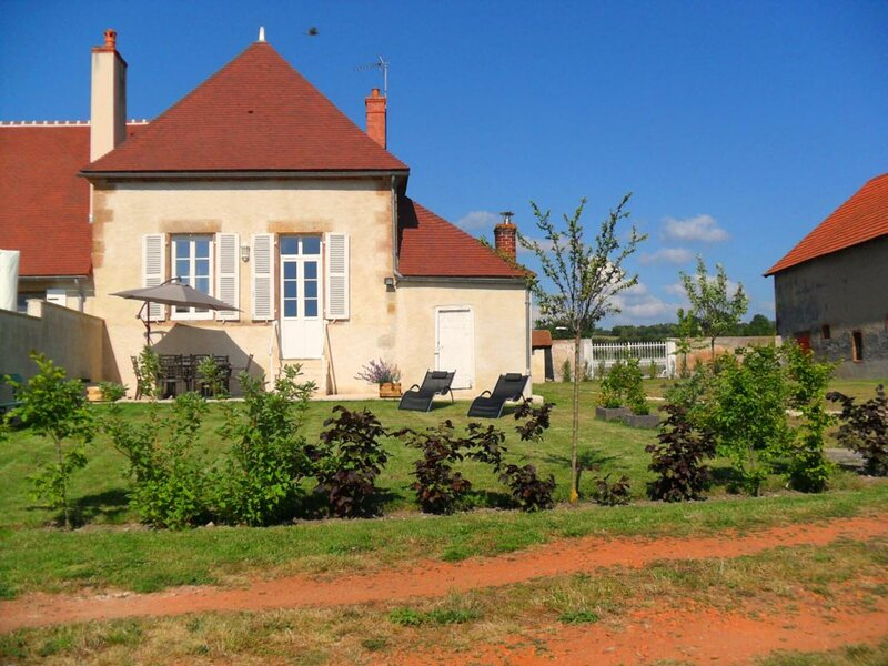 de Tilly, holiday rental in Louchy-Montfand
