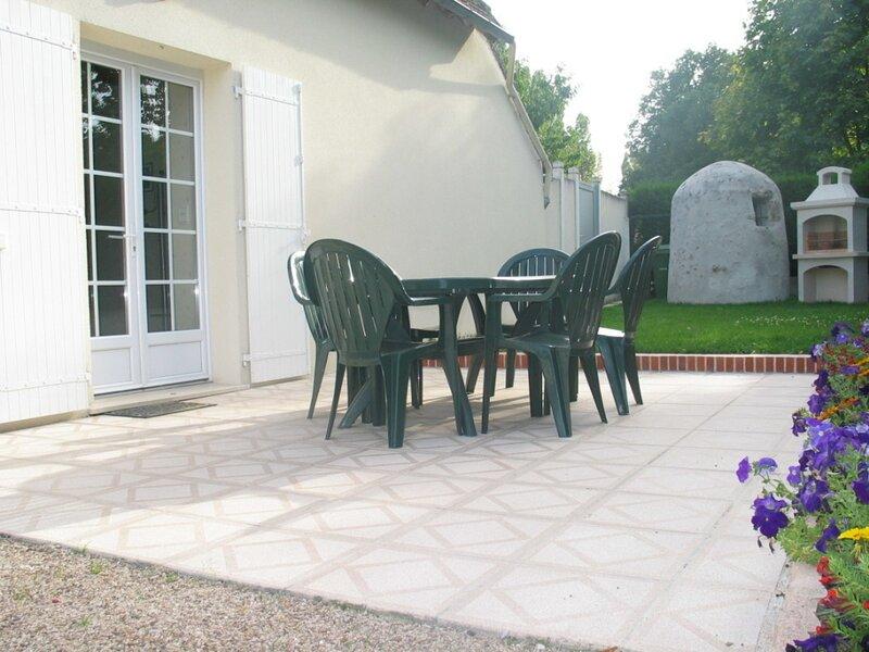 A la lisière du Parc de Chambo, vacation rental in Saint-Claude-de-Diray