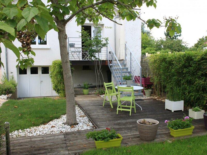 La Haute Maison, vacation rental in Saint-Claude-de-Diray
